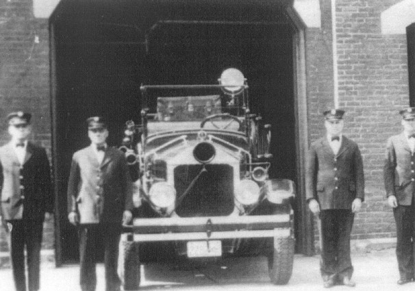This was a Packard touring car converted to a lightweight hauling and equipment fire truck. This truck was not equipped with a fire pump.